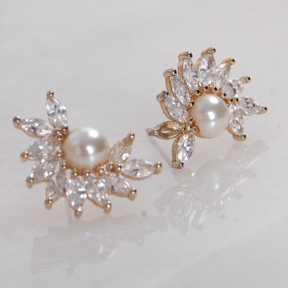 36f80a19820a9 CZ Diamond Pearl Starburst Statement Stud Earrings